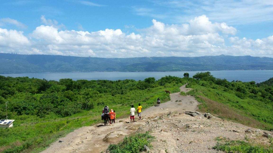Hike up to the rim of the Taal Volcano